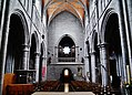 Walcourt Basilique St. Materne Innen Langhaus West.jpg