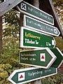 Wegweiser zwischen Kyffhaeuser und Bad Frankenhausen (Tilledaer Tor 2,7 km).jpg