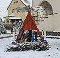 Weihnachtspyramide im Garten. Hohndorf. Erzgebirgskreis. IMG 0444WI.jpg