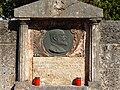 Westfriedhof Innsbruck Nördlicher Teil Grab Inama-Sternegg Detail.jpg