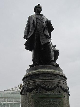Richard E. Brooks - Image: William Henry Seward at Volunteer Park, Seattle (2014)