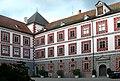 Wolfegg Schloss Innenhof 2007.jpg