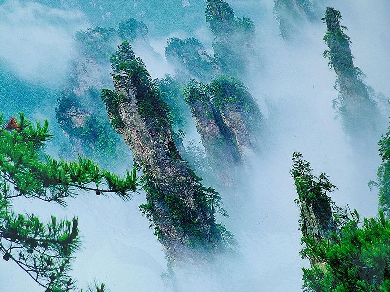 800px-Zhangjiajie-Hunan.jpg