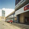 Zicht op de voorgevel met opgang naar entree - Eindhoven - 20388638 - RCE.jpg