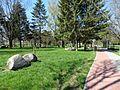 Šalčininkai, parkas su akmenimis.JPG