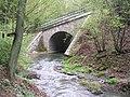 Železniční most přes Bojovský potok pod Klíncem (01).jpg