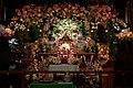 Алтарь в храме Шри Шри Дойал Нитай Шачи Сута в Москве.jpg