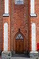 Бічний вхід Гніванського костелу P1210282.jpg
