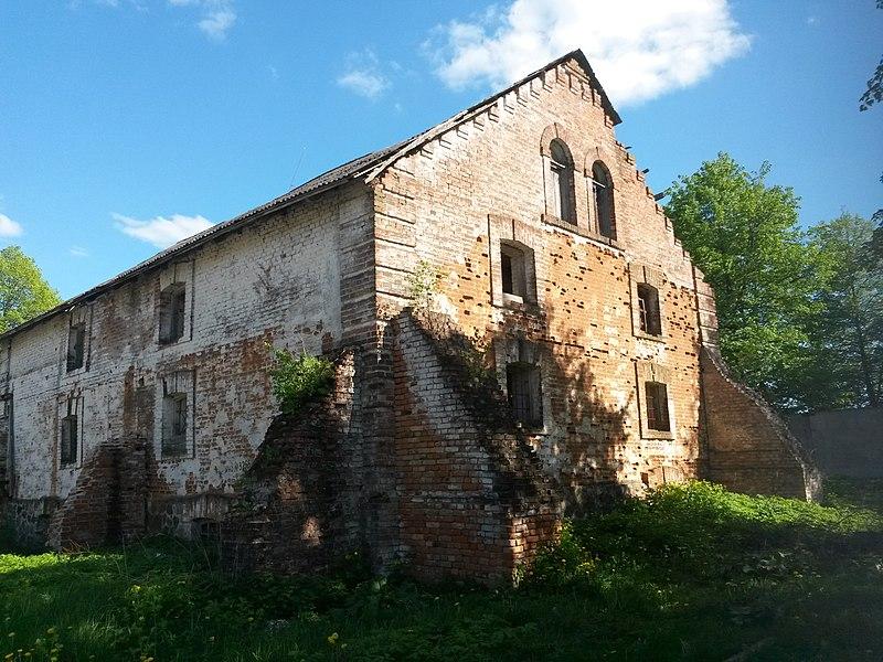 File:Комплекс зданий винокуренного завода (склад), д. Дойничево.jpg