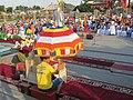 Концерт сводного концерта домбристов в Элисте, около хурула, 14.06.2015.jpg