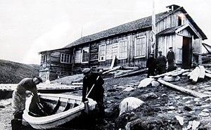 Kola Norwegians - Image: Норвежская семья Ойен одна из первых, переселившихся на Мурманский берег. Колония Цып Наволок. 1930 е годы