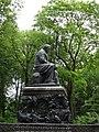 Памятник Ивану Андреевичу Крылову в Летнем саду.jpg