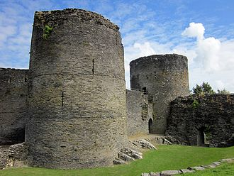 Cilgerran Castle - West tower, and access bridge to the inner ward over gully