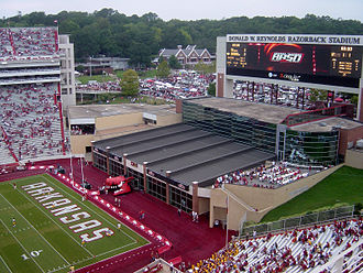 Donald W. Reynolds Razorback Stadium - Image: 09 02 06 RRS north