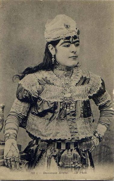 File:193T - Danseuse Arabe . ND Phot.jpg