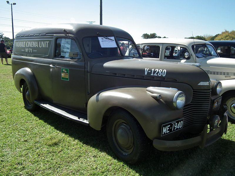 File:1940 Chevrolet Standard panel van (8703607596).jpg