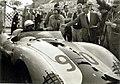 1958-05-11 Targa Florio Ferrari 500 TRC 0682MDTR Gaetano Starrabba saluta Vincenzo Florio.jpg