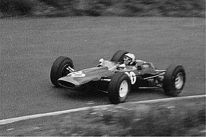 Lotus 25 - Richard Attwood in Reg Parnell Racing privately entered Lotus 25 at the 1965 German Grand Prix.