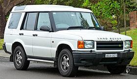 1999-2000 Land Rover Discovery II Td5 5-door wagon (2011-06-15) 01.jpg