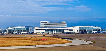 20110123 DFW terminal D