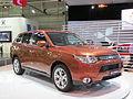 2012 Mitsubishi Outlander (ZJ MY13) Aspire wagon (2012-10-26) 01.jpg