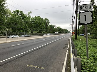 U.S. Route 1 in New Jersey - US 1 northbound past Raymond Road in South Brunswick Township