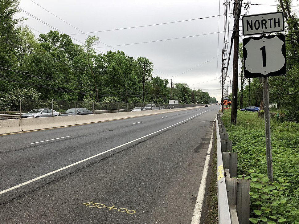 2018-05-18 08 37 45 View north along U.S. Route 1 just north of Raymond Road in South Brunswick Township, Middlesex County, New Jersey