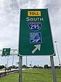 2018-08-25 10 41 22 Sign at the ramp from southbound U.S. Route 130 (Shell Road) to southbound Interstate 295 and westbound U.S. Route 40 (Delaware Memorial Bridge) in Pennsville Township, Salem County, New Jersey.jpg