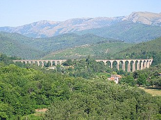 Chamborigaud - Viaduct of Chamborigaud, with Mont Lozère in the background