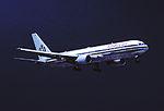 375io - American Airlines Boeing 767-323ER, N350AN@MIA,01.09.2005 - Flickr - Aero Icarus.jpg