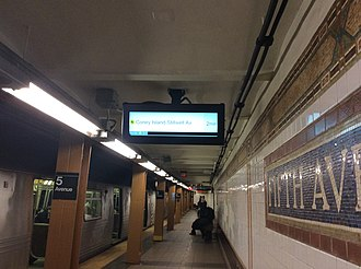 Fifth Avenue–59th Street (BMT Broadway Line) - Downtown platform