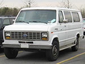 Ford E-Series - 1983–1991 Ford Club Wagon