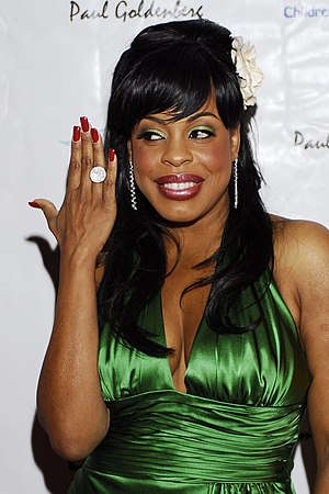 Niecy Nash at the 79th Annual Academy Awards C...