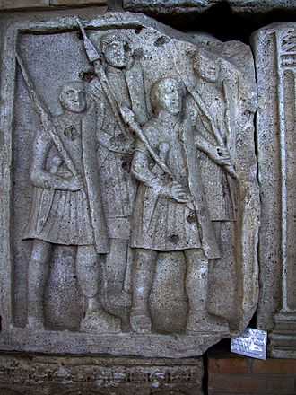 Pilum - Legionaries carrying pila, as depicted on the Tropaeum Traiani