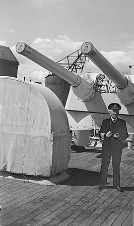 Admiraal McGrigor op de HMS Norfolk in 1945