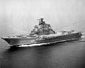 "Aircraft carrier ""Kiev"" in 1985.jpeg"