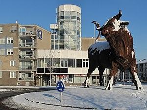 Amersfoort,_stier_op_het_verkeersplein_bij_het_Kamp_foto10_2012-12-08_11.43