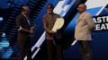 Amitabh Bachchan receiving the 2018 Master of Creativity award.png