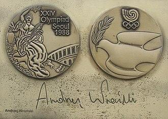 Andrzej Wroński - Image: Andrzej Wronski medal and autograph