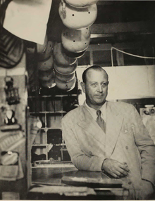 Andy Gustafson (1950).png