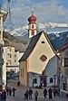 Antoniuskirche St. Ulrich mit Sellagruppe.jpg
