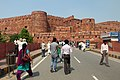 Approaching Red Fort (8130230788).jpg