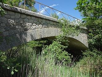 Aubenas-les-Alpes - A bridge over the Largue.