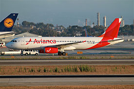 Avianca Airlines (TACA) A320 (12554809704).jpg