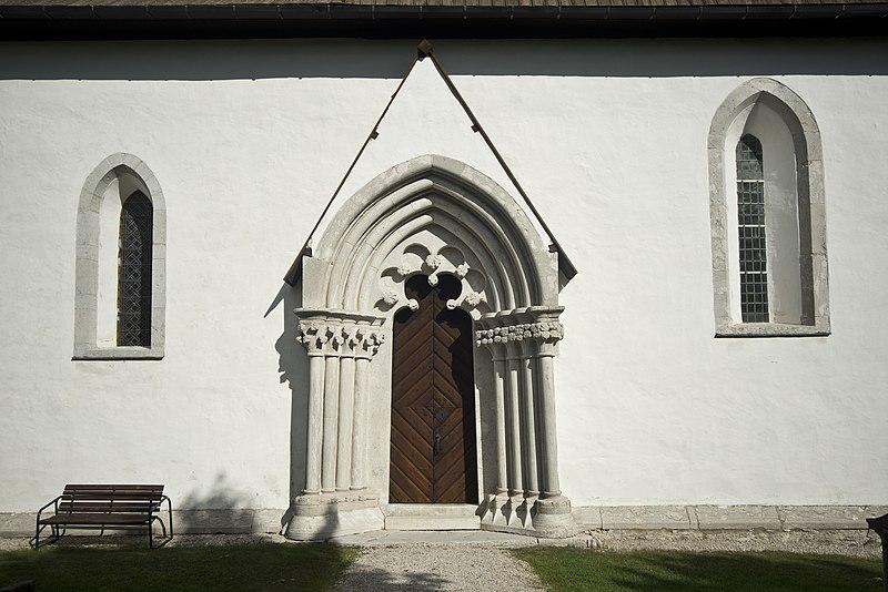 File:Bäl kyrka 7.jpg
