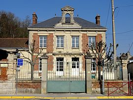 The town hall in Béthisy-Saint-Martin