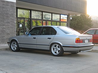 BMW M5 - E34 M5 sedan