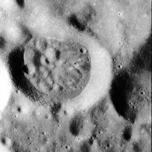 Balandin (crater) - Image: Balandin crater AS15 P 8913
