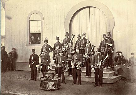 Band for the 10th Veteran Reserve Corps during the American Civil War Band of the 10th Veteran Reserve Corps. Washington, D.C. April, 1865.jpg
