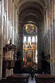 Basilica Saint-Sernin nave 04.JPG